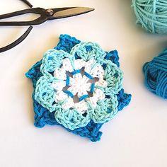 Ravelry: Pinwheel Flower pattern by Shelley Husband