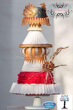 Avant garde cake collaboration by saima hebel Wedding Cake Inspiration, Style Inspiration, Cake Decorating Magazine, Gravity Defying Cake, American Cake, Couture Cakes, Fashion Cakes, Cake Art, Beautiful Cakes