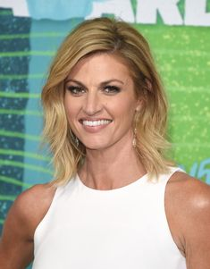 Erin Andrews Medium Layered Cut - Erin Andrews looked stylish with her feathered layers at the CMT Music Awards.