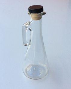 öly/kastikepullo . korkeus 19cm bottle for oil/dressing . highness 19cm