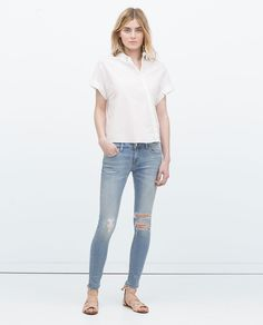 New clothes and accessories updated weekly at ZARA online. Stay in style with seasonal trends. All Jeans, Ripped Skinny Jeans, Zara Tops, Pantalon Cigarette, Zara New, Zara Women, Summer Wardrobe, Jackets For Women, My Style
