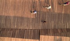 Image 17 of 34 from gallery of Bostanlı Footbridge & Sunset Lounge / Studio Evren Başbuğ. Photograph by ZM Yasa Photography Landscape Architecture, Landscape Design, Floating Pontoon, Construction Drawings, Bridge Design, Pedestrian Bridge, Lounge Design, Parking Design, Wooden Decks