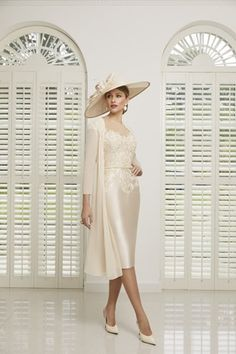 Beautiful mother of the bride dresses from Nigel Rayment Boutique. Veni Infantino, 991511 - Veni Infantino 991511 - Mikado dress and chiffon coat Mother Of Bride Outfits, Mother Of Groom Dresses, Bride Groom Dress, Mother Of The Bride, Royal Dresses, Blush Dresses, Bride Dresses, Applique Dress, Occasion Dresses