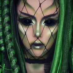 Alien by aspiring makeup artist @artbeautychaos