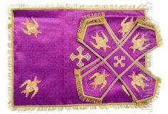 In stock. Purple chalice covers and veil decorated with embroidery     Order here: https://catalog.obitel-minsk.com/chalice-covers-sh-10-14-1.html    #orthodox #orthodoxy orthodoxchurch #vestment #orthodoxvestment #cover #chalice #veil #liturgicalset #handmade #CatalogOfGoodDeeds