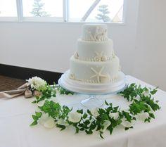 #setre#novarese#vressetrose #wedding #white #round # #natural#flower #bridal#cake#caketable#ノバレーゼ#ブレスエットロゼ #セトレ#ウエディング# ホワイト#グリーン#シンプル #会場装花#ナチュラル#小花#野草#ナチュラル#ブライダル#結婚式#テーブルコーディネート#ケーキ#ケーキテーブル