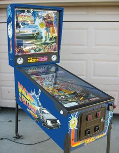 DataEast Back to the Future pinball machine - collector buying Arcade Game Machines, Arcade Machine, Arcade Games, Pinball Games, Vintage Games, Vintage Toys, Addams Family Pinball, Stern Pinball, Nerd Merch