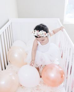 Crib balloons 1st Birthday Girl Decorations, First Birthday Balloons, Baby Girl 1st Birthday, First Birthday Parties, First Birthdays, Birthday Cake, Birthday Girl Pictures, 1st Birthday Photos, Birthday Ideas