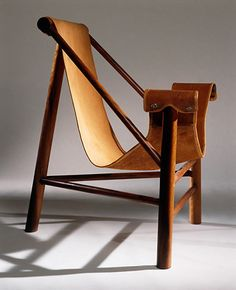 chair by Lina Bo Bardi / photographer Nelson Kon- amazing Leather Furniture, Cool Furniture, Modern Furniture, Furniture Design, Lounge Furniture, Leather Sofa, Console Design, Design Industrial, Love Chair