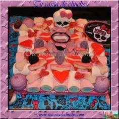 Mini tarta de chuches Monster High, elaborada sin palillos, sin gluten. Posibilidad de realizar en otros tamaños y modelos (pisos con decoración). Puedes elegir tu tarjeta o dedicatoria. Se prepara bajo pedido. Consultar envíos o puntos de recogida en www.tucasitadechuches.com