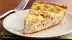 Easy Ham and Swiss Pie It's restaurant-style quiche at home! This easy ham and Swiss cheese pie is sure to be a family-pleasing entrée.It's restaurant-style quiche at home! This easy ham and Swiss cheese pie is sure to be a family-pleasing entrée. Best Quiche Recipes, Pie Recipes, Cooking Recipes, Easy Recipes, Breakfast Dishes, Breakfast Casserole, Breakfast Recipes, Eat Breakfast, Quiches