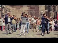 Som Sabadell flashmob - BANCO SABADELL - YouTube