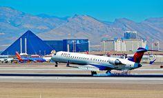 N812SK Delta Connection Canadair CL-600-2D24 Regional Jet CRJ-900LR - cn 15098