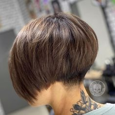 Bob Hairstyles For Thick, Bob Hairstyles For Fine Hair, Mom Hairstyles, Short Wedge Hairstyles, Undercut Bob Haircut, Bob Haircut For Fine Hair, Undercut Short Bob, Short Haircut Styles, Edgy Hair
