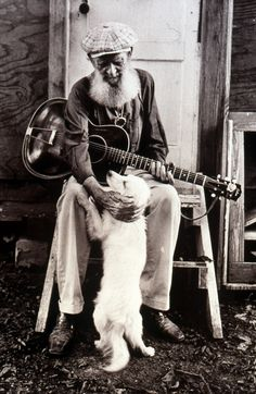 Sam Chatmon and his dog, even dogs love the blues