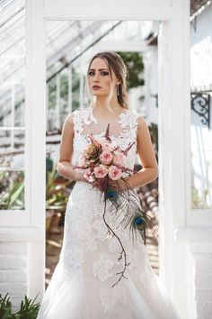 I had the pleasure of being involved with this amazing photoshoot for Vow magazine. Myself and Katarina were the makeup artists. Their was 4 models in […] Dramatic Bridal Makeup, Wedding Day Makeup, Flower Company, Gatsby Party, Dramatic Look, The Great Gatsby, Bridal Shoot, Vows, Headpiece