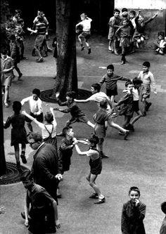 The recreation, Paris 1956 by Robert Doisneau Robert Doisneau, Street Photography, Art Photography, Photography Office, Camille Claudel, Henri Cartier Bresson, French Photographers, Photojournalism, Vintage Photographs