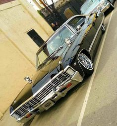 #hotrod #custom #customs #ford #chevrolet #chevy #buick #cadillac #edsel #desoto #chrysler #lincoln #dodge #americancars #ratrod #gm #mopar #vintagecar #oldcar #dailydriven #v8 #classiccar #pontiac #cars #car #cruising #plymouth #mercury #oldsmobile