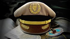 Midway Captain's hat Midway Airlines, Midway Airport, Pilots, Badges, Retro Vintage, Captain Hat, Wings, Chicago, Hats