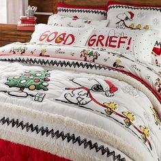 Shop christmas bedding from Pottery Barn Teen. Our teen furniture, decor and accessories collections feature fun and stylish christmas bedding. Create a unique and cool teen or dorm room. Flannel Duvet Cover, Christmas Bedding, Peanuts Christmas, Diy Home, Home Decor, Kids Decor, Christmas Characters, Boy Quilts, Girls Quilts