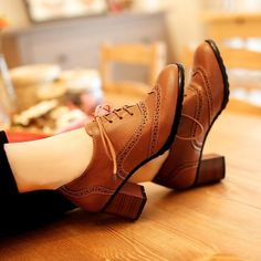Womens Brogue Lace Up Low Block Heels Pointed Toe Oxfords Retro Boat Shoes Hot
