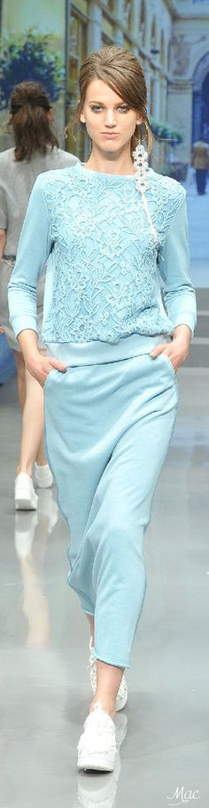 Spring 2015 Ready-to-Wear Yuki Torii