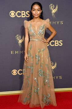 2017 Emmys Best-Dressed Celebrities Carpet Styles, Awards 2017, Red Carpet Ready, Red Carpet Looks, Black Carpet, Carpet Runner, Dior Haute Couture, Evening Dresses, Prom Dresses