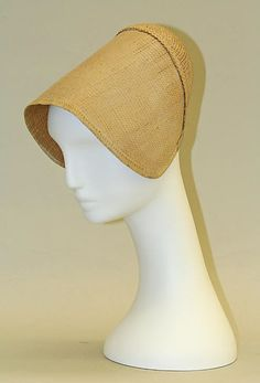 Bonnet 19thc., American, Made of straw