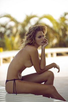Carla Salomao (ಠ_ರೃ)