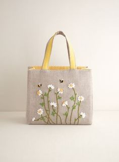 Wonderful Ribbon Embroidery Flowers by Hand Ideas. Enchanting Ribbon Embroidery Flowers by Hand Ideas. Crewel Embroidery Kits, Shirt Embroidery, Japanese Embroidery, Ribbon Embroidery, Embroidery Patterns, Embroidery Digitizing, Embroidery Materials, Fabric Covered Boxes, Patchwork Bags