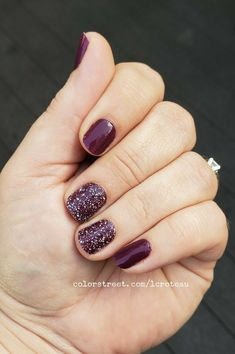 I can't even begin to express how much I love this color, Aberdeen Aubergine! Its gorgeous! I added some glitter with Prism Break! Makeup Designs, Nail Art Designs, Makeup Ideas, Makeup Hacks, Makeup Inspiration, Nail Ideas, Ten Nails, Luxury Nails, Chrome Nails