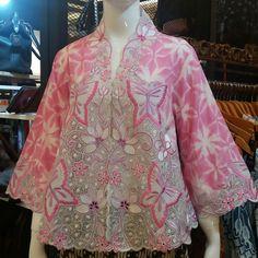 Kebaya Pink, Kebaya Lace, Batik Kebaya, Batik Blazer, Blouse Batik, Batik Dress, Batik Fashion, Ethnic Fashion, African Fashion