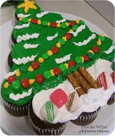 #KatieSheaDesign ♡❤ ❥ 12 Days of Cupcakes - #Christmas Tree Cupcake Cake Tutorial