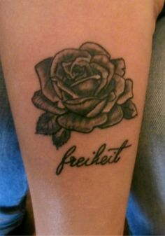 realistick rose tattoo