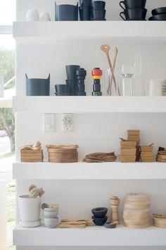 white floating shelves by gilda