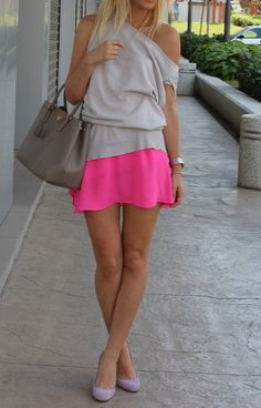 DIY INSPIRATIONAL IMAGE: Cut a old T-shirt and sew a POP of Hot Pink color at the bottom!
