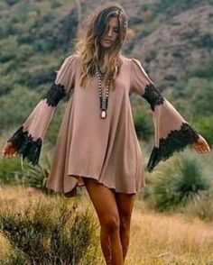The Boho Queen @rocky_barnes in the #forloveandlemons festival dress. In the sale now over on the site #boho #bohochic #sundaystyle #ootd #bohemianstyle