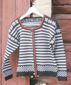 Fana kofte str 38/40,kopi fra 50 tallet. Cardigans, Sweaters, Patterns, Fashion, Scale Model, Block Prints, Moda, Fashion Styles, Sweater