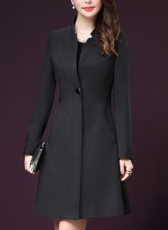 Best 11 The Buxton coat is a waisted dress coat that is often worn as a special occasion piece. Designed to have an upright collar that can be folded down to create… – SkillOfKing. Hijab Fashion, Fashion Dresses, Elegant Outfit, Coat Dress, Outerwear Women, Blouse Designs, Coats For Women, Mantel, Womens Fashion