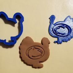 Happy Thanksgiving to all from CreationsByJMD with our new Thanksgiving Turkey Logo cookie cutters featuring your favorite college logos and any other requests. Shown here by request is our Penn State Logo Turkey. Let's go State.