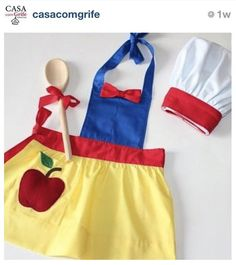 avental kids - casa com grife Dress Up Aprons, Cute Aprons, Sewing Hacks, Sewing Crafts, Sewing Projects, Sewing For Kids, Diy For Kids, Disney Aprons, Princess Aprons