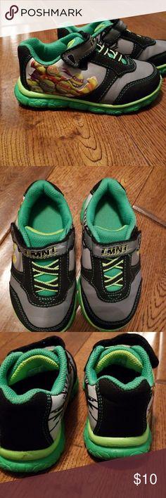 Ninka Turtles TMNT Sneakers. TODDLER SIZE 8. Good condition. Your fav ninja turtles Velcro sneakers. Green, black, gray. Shoes Sneakers