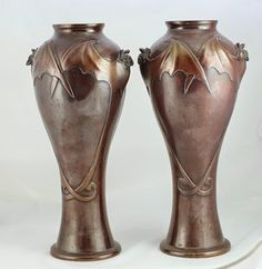 Goth Shopaholic: Intriguing Semi-Goth Antiques From Yesteryear - Japanese Meiji era bat vases