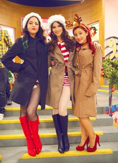 Quick question: If Jade is the goth girl on Victorious, why is Tori wearing the black boots and Jade the red ones?