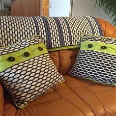 Opskrift på hæklet tæppe og puder i murstensmønste - 45,00 DKK - Udførlig opskrift på hæklet tæppe og puder i murstensmønster. Tæppe og puder er eget design :-) - 1 - 2 hverdage