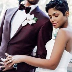 Talk about a bold suit colour. Love the look captured by @aprilbellephotos via @blkbridalbliss