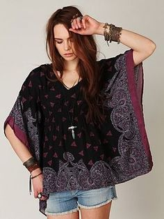 Border Print Kaftan at Free People Clothing Boutique Diy Clothing, Sewing Clothes, Clothing Patterns, Sewing Patterns, Diy Fashion, Ideias Fashion, Diy Couture, Creation Couture, Dressmaking
