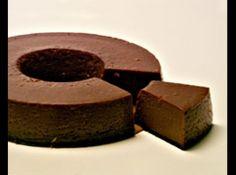 Receita de Pudim de chocolate - 1 litro de leite, 150 gr de ámido de milho, 400 GR DE AÇÚCAR, 75 gr de cacau, 10 gemas