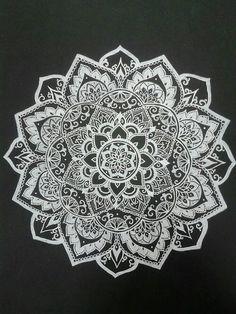 Bild über We Heart It https://weheartit.com/entry/157104426 #beautiful #blackandwhite #Boh #boho #design #fashion #henna #hippie #indie #love #pretty #style #tumblr