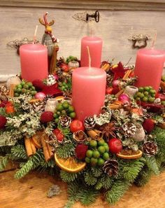 Filling Your Home with Favorite Christmas Scents- Pink Candles Centerpiece Christmas, Christmas Advent Wreath, Christmas Arts And Crafts, Christmas Scents, Christmas Flowers, Christmas Candles, Thanksgiving Decorations, Xmas Decorations, Simple Christmas